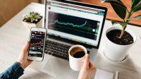 Perbedaan Investasi dan Trading Saham